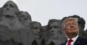 Μήνυμα Τραμπ από το Όρος Ράσμορ για μία «περήφανη» και «ισχυρή» Αμερική