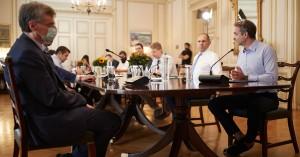 Κορωνοϊός: Κρίσιμες αποφάσεις σήμερα για πανηγύρια και όχι μόνο από το