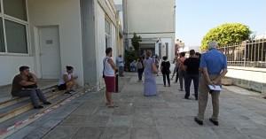 Χανιά: Παράπονα για μεγάλες ουρές στα γραφεία της ΔΕΗ (φωτο)