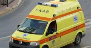 Κρήτη: Σοβαρό τροχαίο στην Κριτσά, μεταφέρθηκε στο εσπευσμένα στο ΠΑΓΝΗ οδηγός μηχανής