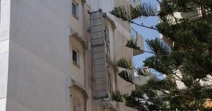 Τραγική κατάληξη στο Παλαιό Φάληρο: Νεκροί οι δύο εργάτες που έπεσαν από μεγάλο ύψος