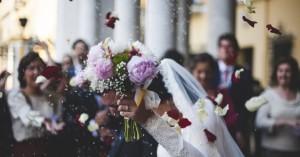 Θετικοί γαμπρός και νύφη σε νέο γάμο-βόμβα: Γνωστός ποδοσφαιριστής ο γαμπρός!