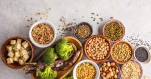 Ο δεκάλογος της διατροφής για τις ημέρες του καύσωνα