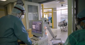 Κορωνοϊός: Τουρίστρια θετική στον ιό κυκλοφορούσε στη Ρόδο