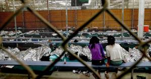 """ΗΠΑ: Φόβοι για νέα υγειονομική """"βόμβα""""– Με κορονοϊό 1.000 εργαζόμενοι σε κέντρα μεταναστών"""