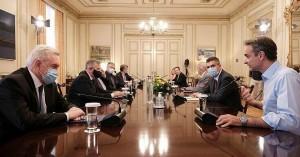 Σύσκεψη υπό Μητσοτάκη το πρωί της Δευτέρας για τον κορωνοϊό – Ποια μέτρα είναι στο τραπέζι