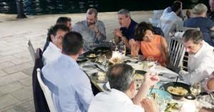 Εποικοδομητική συζήτηση για τον τουρισμό με φόντο... το Ενετικό λιμάνι Χανίων (φωτο)
