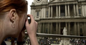 Βρετανία: Ισόβια σε γυναίκα που σχεδίαζε βομβιστική επίθεση σε καθεδρικό ναό