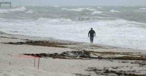 Η τροπική καταιγίδα Ησαΐας θα επανέλθει σε ισχύ τυφώνα όταν φτάσει πάνω από την Καρολίνα