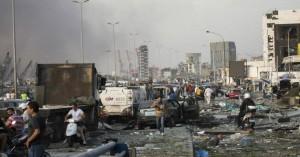 Κόλαση εκρήξεων με δεκάδες νεκρούς στη Βηρυτό – Εικόνες αποκάλυψης στα συντρίμμια