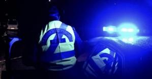 Θρίλερ: Άνδρας αυτοκτόνησε μπροστά σε αστυνομικούς