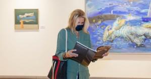 Την Δημοτική Πινακοθήκη Χανίων επισκέφθηκε η Μαρέβα Μητσοτάκη (φωτο)