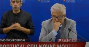 Η στιγμή που ο Πορτογάλος υπουργός Υγείας ανακοινώνει μηδέν νεκρούς και βουρκώνει