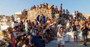 Κορωνοϊός: Σκέψεις για νέα μέτρα μετά τα 262 κρούσματα