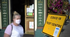 Βρετανία: Αν συνεχίσουμε έτσι, τον Οκτώβριο θα έχουμε 50.000 κρούσματα την ημέρα!