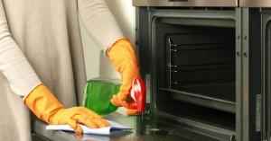 Τρία αντικείμενα που μπορείτε να καθαρίσετε με το καθαριστικό φούρνου
