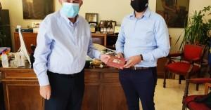 Συνάντηση Δημάρχου Ηρακλείου Βασίλη Λαμπρινού με τον Δήμαρχο Χανίων  Παναγιώτη Σημανδηράκη