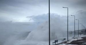 Πώς εξελίσσεται η πορεία του μεσογειακού κυκλώνα προς την Κρήτη (φωτο)