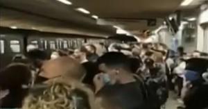 Κορονοϊός: Απίστευτος συνωστισμός στο μετρό (βιντεο)