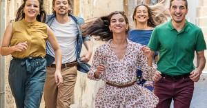 ΔΗΠΕΘΕΚ: Γιοί και κόρες - Μια παράσταση για την αναζήτηση της ευτυχίας