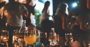 Κορωνοϊός: Νέα μόδα τα πριβέ πάρτι «αλά Μύκονος»... σε διαμερίσματα