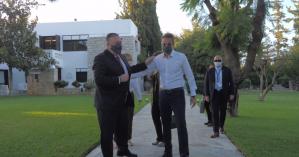 Αναχώρησε από τα Χανιά ο Μάικ Πομπέο - Εγκάρδιος αποχαιρετισμός με Μητσοτάκη (βιντεο)