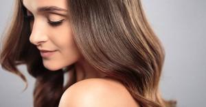 Τρεις κακές συνήθειες που βλάπτουν τα μαλλιά σας