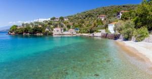 Το παραθαλάσσιο χωριό του Πηλίου που παραπέμπει σε νησί
