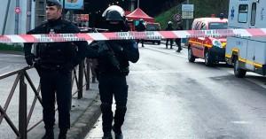 Γαλλία: Άνδρας απείλησε με μαχαίρι περαστικούς στην Αβινιόν – Φώναζε Αλλαχού Ακμπάρ