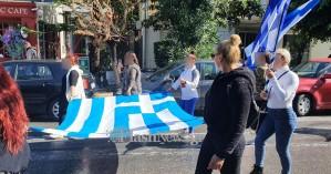 Αυτοδημιούργητη παρέλαση... με παρατράγουδα στο Ηράκλειο (φωτο)
