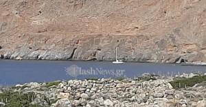Ακυβέρνητο σκάφος με μετανάστε στα νότια των Σφακίων (φωτο)