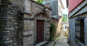 Το ιστορικό χωριό στην είσοδο της κοιλάδας των Τεμπών