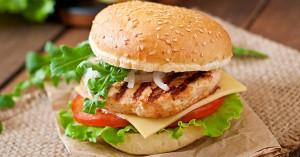Σπιτικό burger με κοτόπουλο