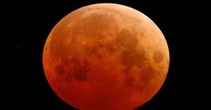 Πανσέληνος και έκλειψη παρασκιάς Σελήνης τη Δευτέρα