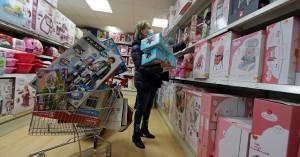 Γαλλία: Χαμός σε κομμωτήρια και μαγαζιά που ξανάνοιξαν για τα Χριστούγεννα