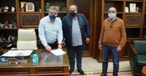 Ο Περιφερειάρχης Κρήτης υπέγραψε 8,2 εκ. ευρώ για την μεταφορά των μαθητών