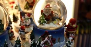 Ανοίγουν τη Δευτέρα τα μαγαζιά με τα Χριστουγεννιάτικα