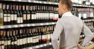 Υπ. Οικονομικών: Παρατείνεται για ακόμα δύο μήνες η καταβολή ειδικού φόρου στο αλκοόλ