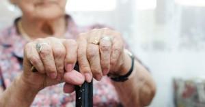 Κορωνοϊός: Γιαγιά «πήγε κι ήρθε» - Εννέα μέρες μετά την κηδεία επέστρεψε στο γηροκομείο!