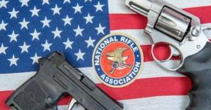 Πτώχευση κήρυξε το πανίσχυρο λόμπι υπέρ της οπλοκατοχής στις ΗΠΑ, NRA