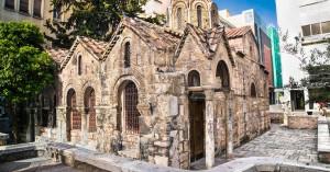 Η γνωστή εκκλησία της Αθήνας και πώς συνδέεται με την περίφημη έκφραση «από μεγάλο τζάκι»
