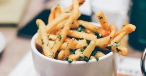 Η κατανάλωση τηγανητών τροφών αυξάνει τον κίνδυνο εμφράγματος και εγκεφαλικού