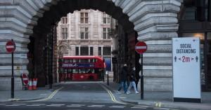 Κορωνοϊός - Βρετανία: Ο ιός εως τον Αύγουστο θα αποτελεί παρελθόν