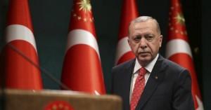 Ερντογάν: Χάνει ποσοστά στις δημοσκοπήσεις κι αλλάζει τον εκλογικό νόμο