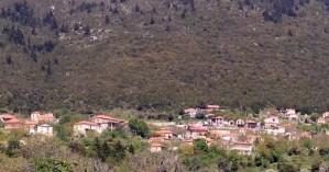 Το χωριό στον Πάρνωνα που θυμίζει κάτι από Χριστούγεννα