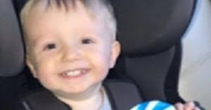 Άνδρας σκότωσε τον δίχρονο γιο της συντρόφου του ρίχνοντάς τον από τις σκάλες