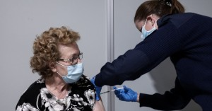 Θεμιστοκλέους: Τέλη Απριλίου θα έχουν εμβολιαστεί όλοι οι πολίτες άνω των 60 ετών