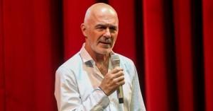 Παραιτήθηκε ο Λιβαθινός: «Ζητώ συγγνώμη αν πλήγωσα κάποιον», γράφει στους σπουδαστές του