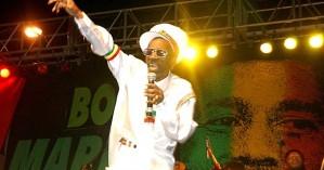 Bunny Wailer: Πέθανε ο θρύλος της ρέγκε που τραγούδησε μαζί με τον Bob Marley
