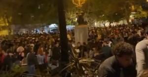 Πλατεία Αγίου Γεωργίου : Γιατί δεν επενέβη αστυνομία στο κορoνοπάρτι των 3.000 ατόμων